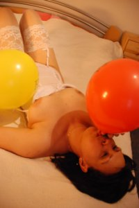 tinaballon.jpg